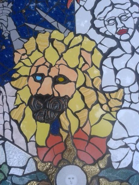 Leone e Venere di Milo. Mosaico di Orodè Deoro